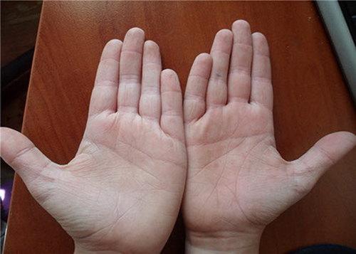 Плотное соединение пальцев